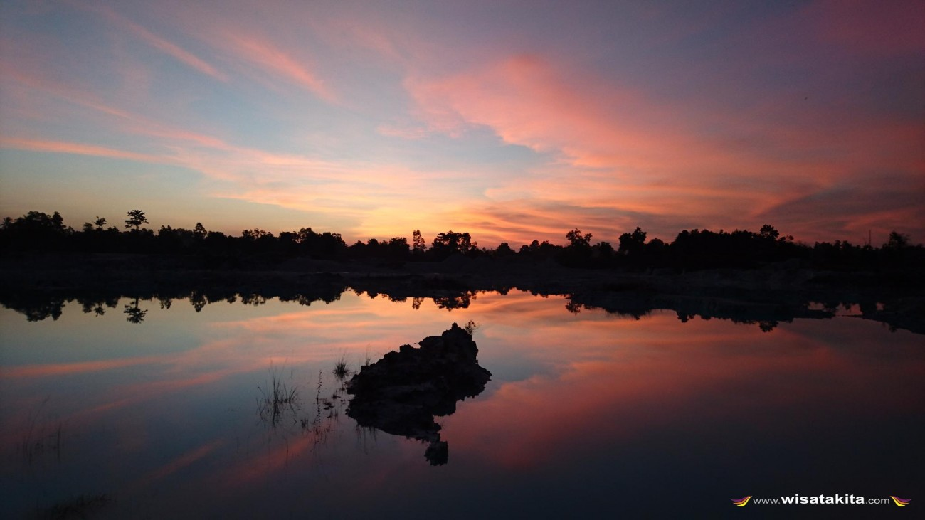 Sunrise danau Kaolin Belitung