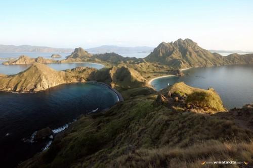 Pulau Padar di pagi hari