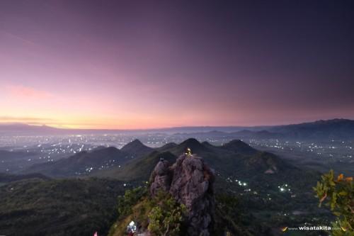 Sunrise bukit Cumbri Wonogiri