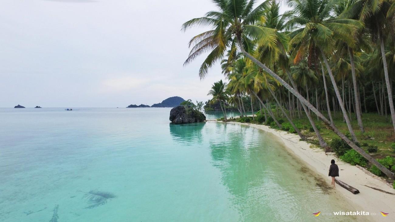 Pantai Pasir Panjang Labengki