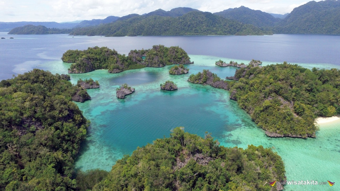 Pulau Sombori Raja Ampatnya Sulawesi