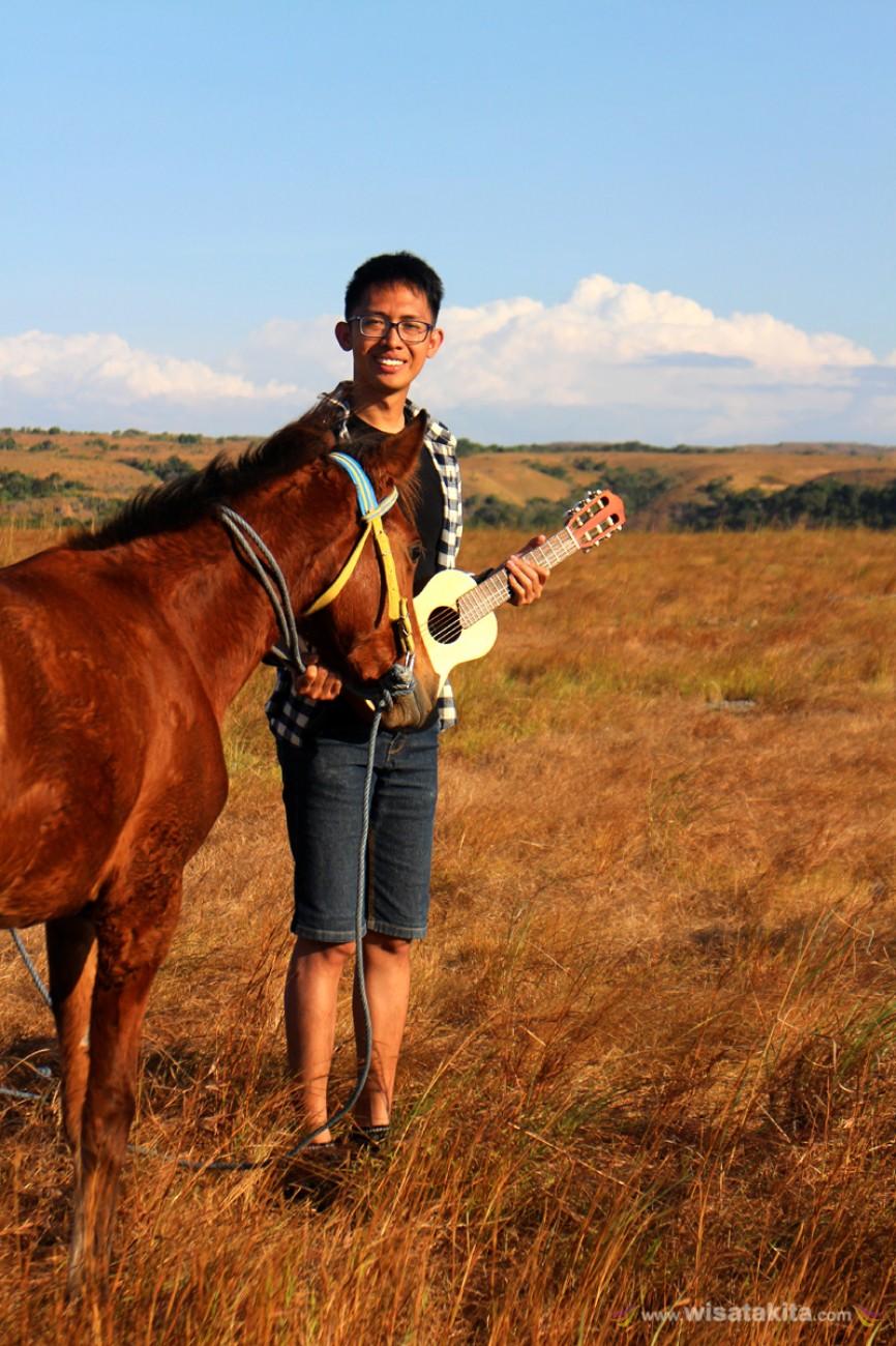 """""""Kuda, Okulele, Padang rumput dan ... comment pendapatmu yang kurang disini"""" Bukit Warinding"""