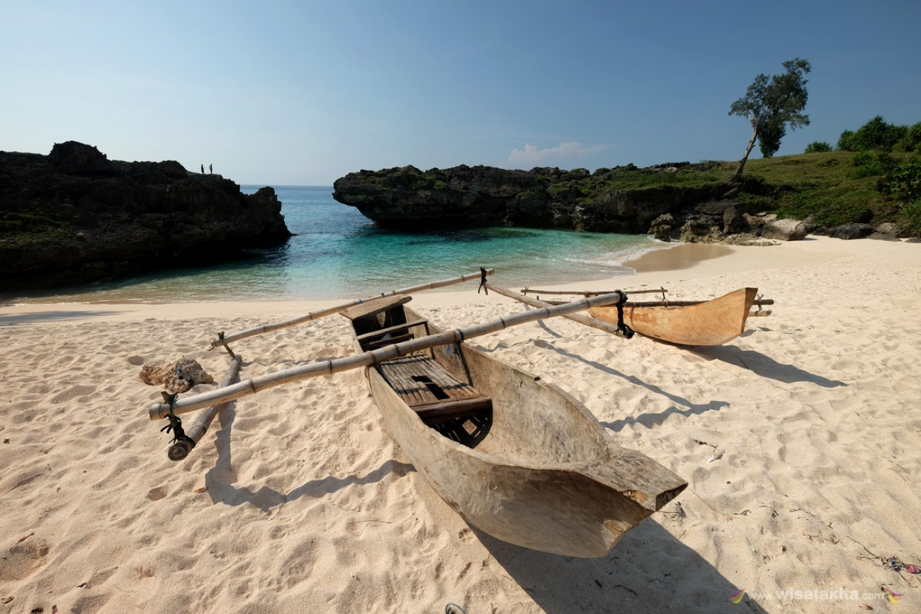 Pantai Mandorak Sumba Timur