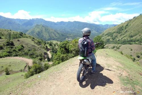 Jalan menuju Kampung Ollon Tana Toraja