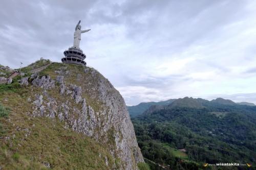 Patung Yesus raksasa di puncak Buntu Burake Tana Toraja