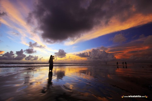 Sunset pantai Double Six Legian Bali
