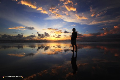 Sunset pantai Double Six Legian Bali