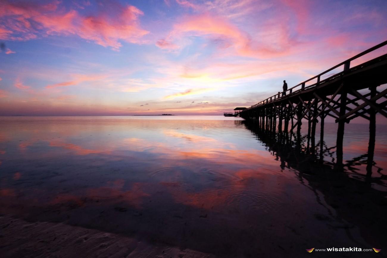 Sunset dermaga pulau Tinabo Takabonerate