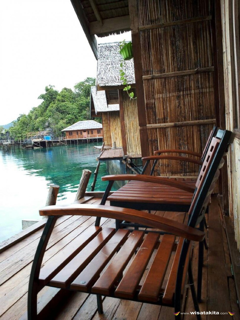 Labengki Nirwana Resort Balkon Cottage Air