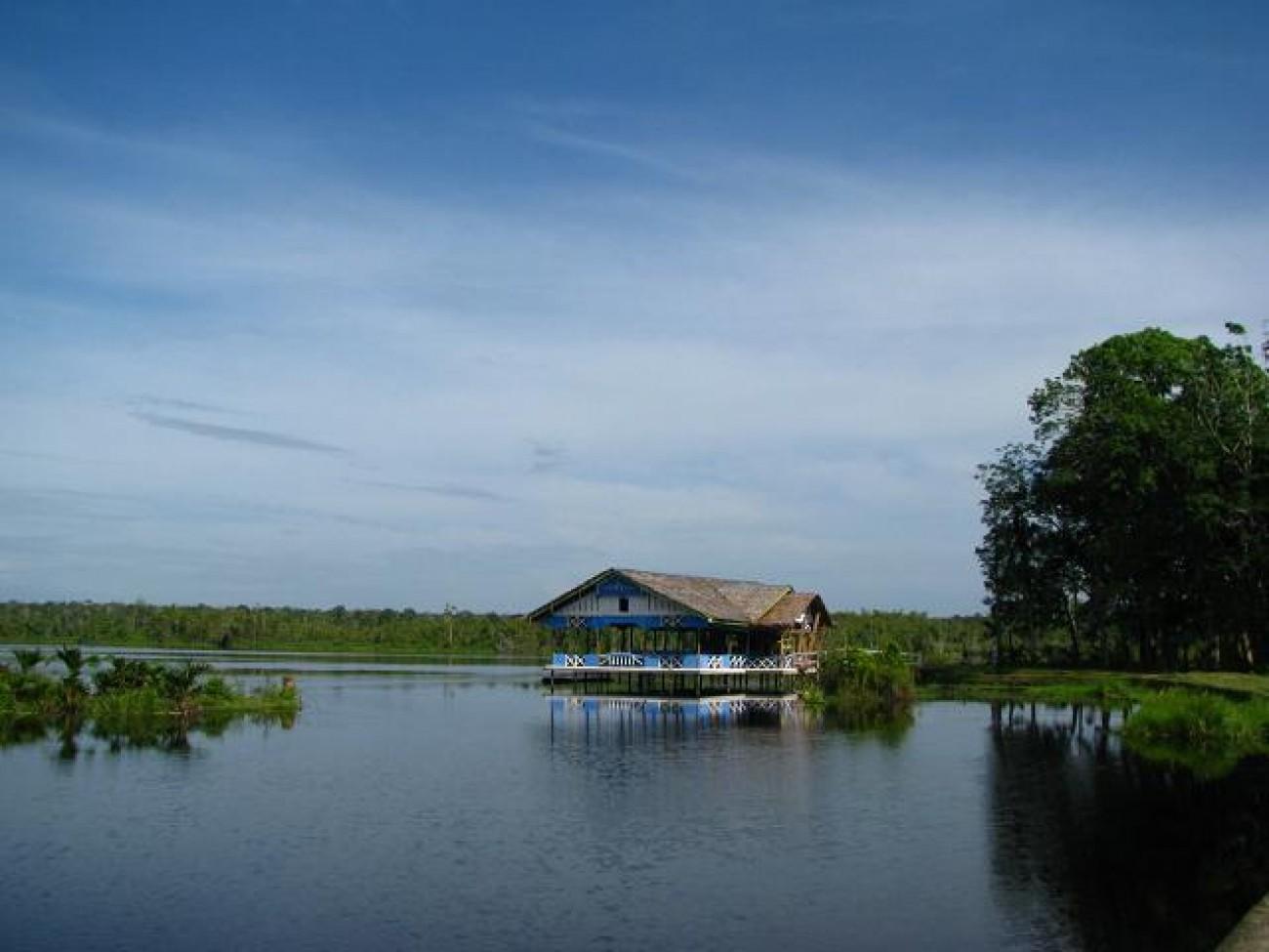 Danau Geunang Geudong - Air Terjun Gampong Pungkie - Tempat Wisata Keren di Aceh Barat
